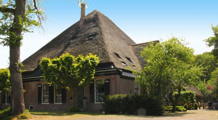 Bijzondere-Overnachting-Origineel-Overnachten-Slapen-in-een-stijlvolle-boerderij-nabij-de-Schoorlse-duinen13