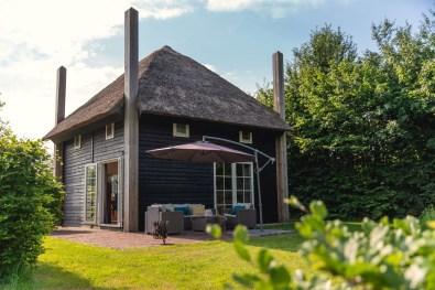 Bijzondere Overnachting Origineel Overnachten Slapen in een hooiberg op een luxe vakantiepark Molke Zuna22