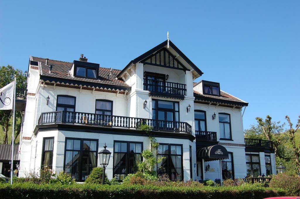 Bijzondere Overnachting Origineel Overnachten Villa De Klughte aan de kust Wijk aan zee1