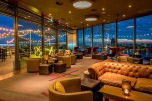 Bijzondere Overnachting Origineel Overnachten Double Tree by Hilton Hotels met prachtig uitzicht over Amsterdam4