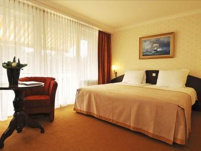 Bijzondere Overnachting Origineel Overnachten Wellness in Drenthe - Fletcher Hotel De Hunzebergen17