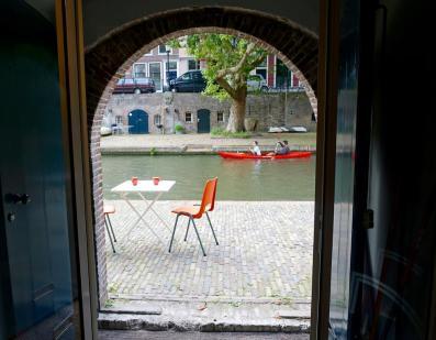 Bijzondere Overnachting Origineel Overnachten Kunstzinnig appartement in Utrechtse werfkelder2