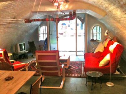 Bijzondere Overnachting Origineel Overnachten Kunstzinnig appartement in Utrechtse werfkelder6