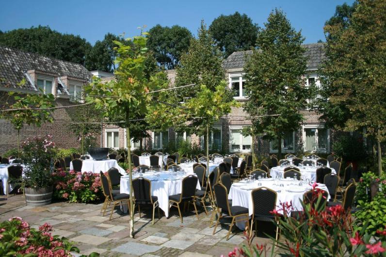 Bijzondere Overnachting Origineel Overnachten Limburgs kasteelhotel in Sandton Chateau De Raay18