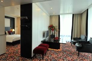 Bijzondere Overnachting Origineel Overnachten Luxe hotelkamer met bubbelbad nabij Den Haag6