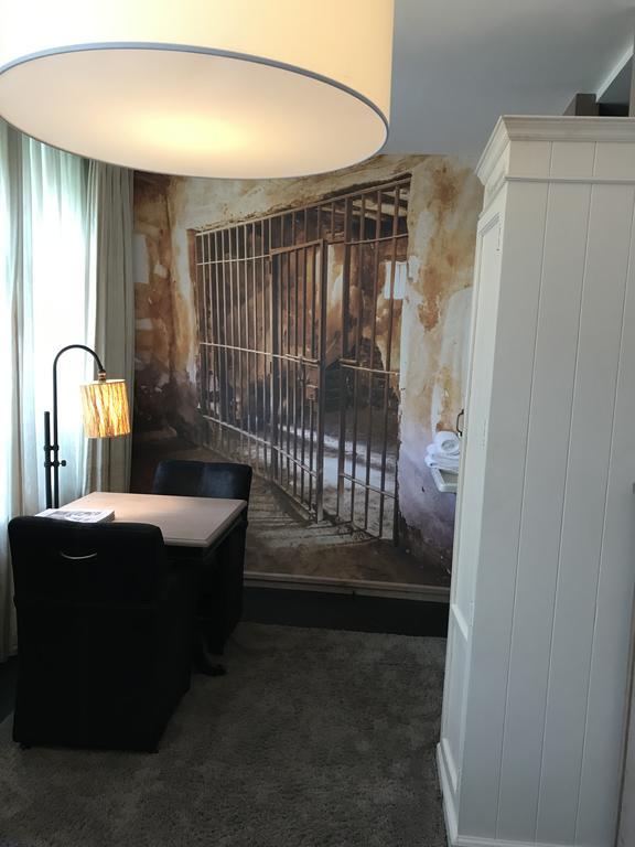 Bijzondere Overnachting Origineel Overnachten Slapen in voormalig gevangenis Hotel Huis van Bewaring in Almelo6