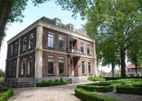 Bijzondere Overnachting Origineel Overnachten Statige vakantievilla aan de Waal in de Betuwe10