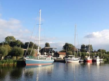 Bijzondere Overnachting Origineel Overnachten Slapen in een voormalige scheepslift in de haven van Warmerhuizen15