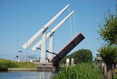 Bijzondere Overnachting Origineel Overnachten Slapen in een voormalige scheepslift in de haven van Warmerhuizen3