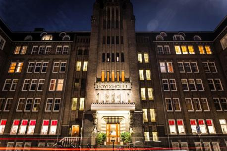 Bijzondere Overnachten Origineel Overnachten Slapen in voormalig scheepshoofdkantoor Lloyd Hotel Amsterdam3