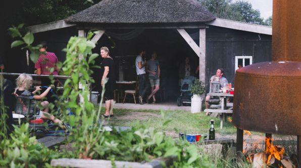 Bijzondere Overnachting Origineel Overnachten Slapen op een boerderij de Jobinghoeve in Grolloo met knuffelschuur in Drenthe20