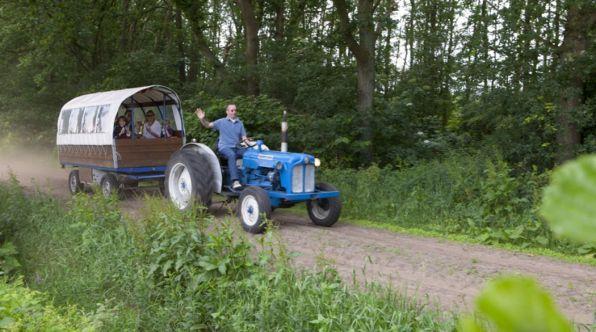 Bijzondere Overnachting Origineel Overnachten Slapen op een boerderij de Jobinghoeve in Grolloo met knuffelschuur in Drenthe22
