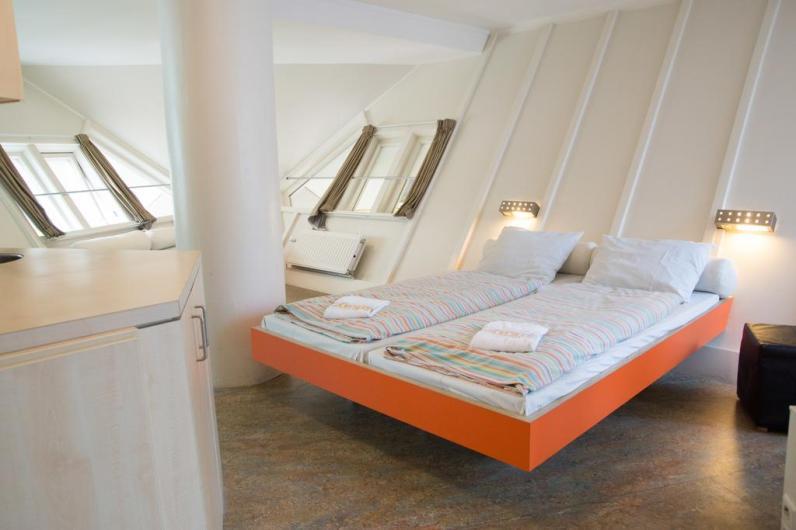 Bijzondere overnachting Origineel Overnachten Slapen in een kubuswoning in Rotterdam 4