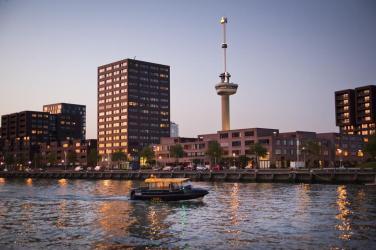Bijzondere overnachting Romantisch overnachten in de Euromast te Rotterdam 2