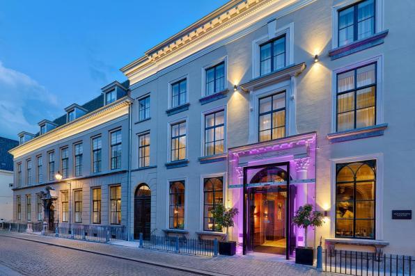 Bijzondere Overnachting Origineel Overnachten Slapen als een barones in Hotel Nassau Breda 1