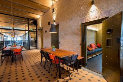 Bijzondere Overnachting Origineel Overnachten Voormalig gevangenis Alibi Hostel in Leeuwarden 15