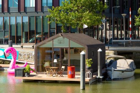 Bijzondere overnachting Origineel Overnachten Slapen op het water in Rotterdam Wikkelboat 4