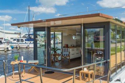 Slapen op een woonboot in Warns Friesland 5