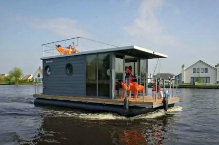 Slapen op een woonboot in Warns Friesland 9
