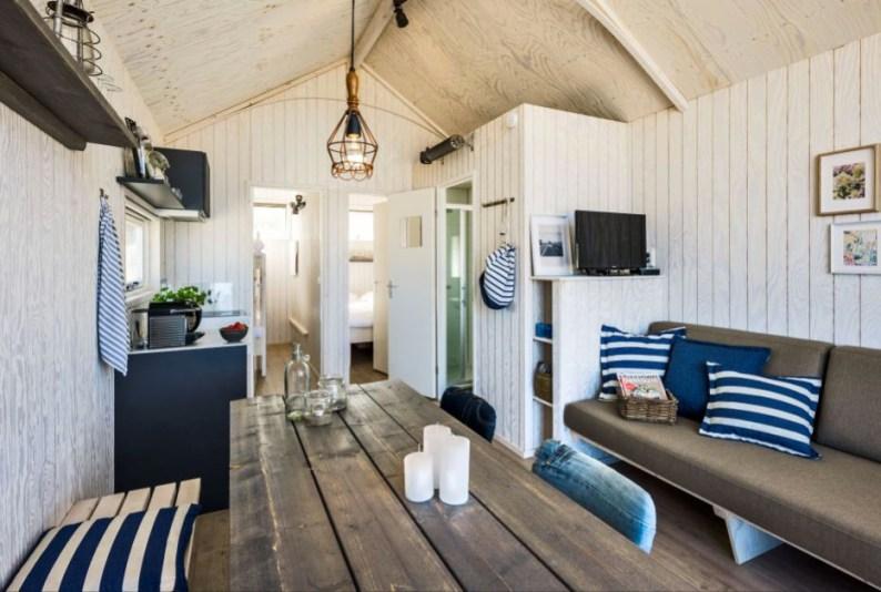 Slapen in Haags strandhuisje in Roompot Kijkduin 16