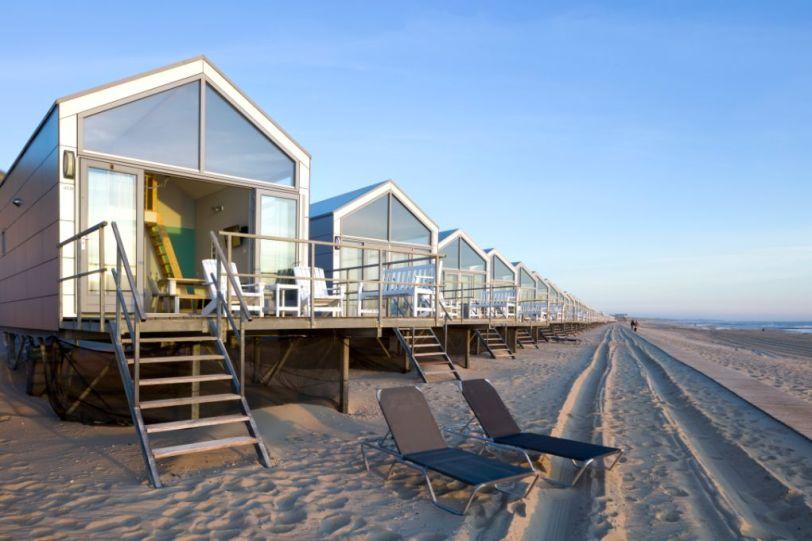 Bijzondere Overnachting Slapen op het strand in een strandhuisje strandhuisjes julianadorp-1