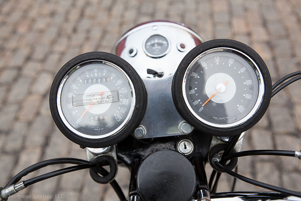 1969 BSA Lightning - Gauges