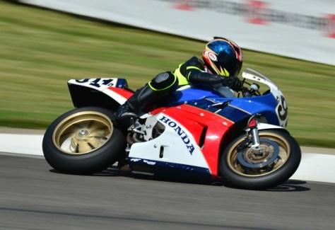 1988 Honda RC30 - Race