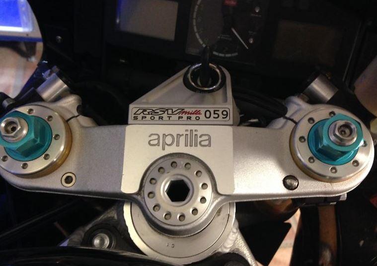 Aprilia RSV Mille SP - Plaque