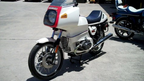 BMW R100RS Motorsport - Front Left