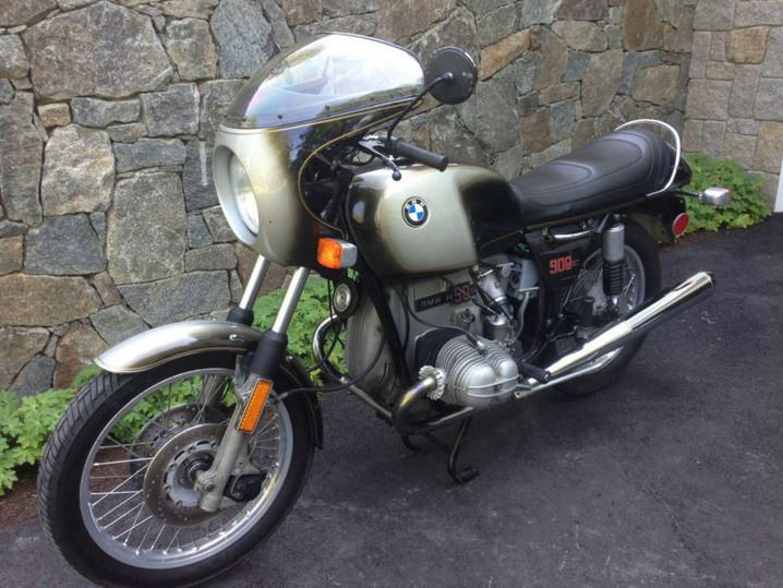 BMW R90S - Front Left