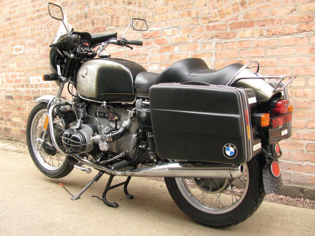 Sport Touring – 1975 BMW R90S
