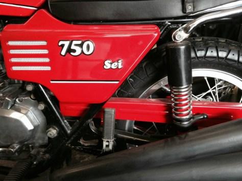 Benelli 750 Sei - Side Cover