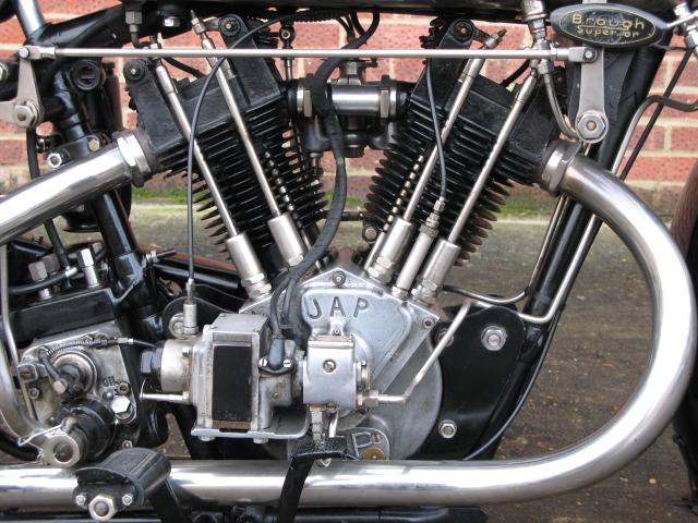 Brough Superior 680 - Engine