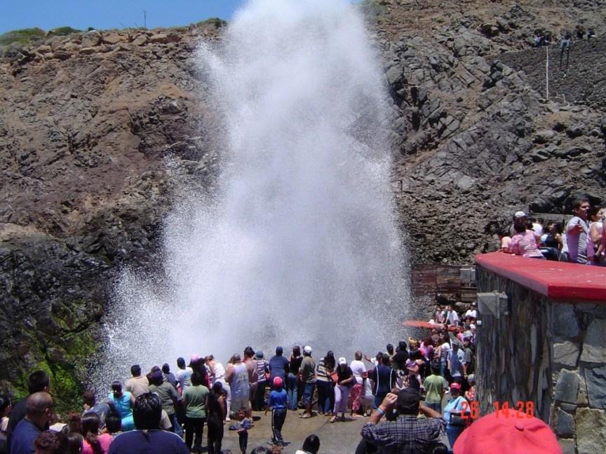 from http://www.turismoenfotos.com/7680:la-bufadora?dim=2