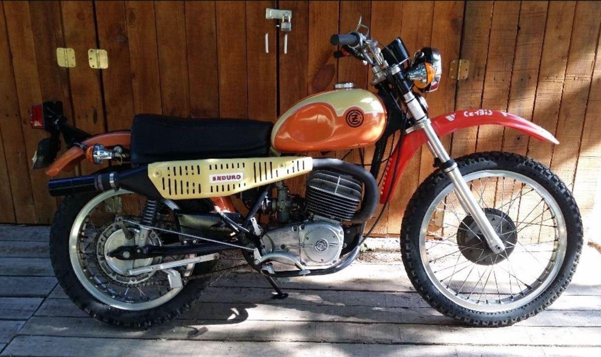 1974 Cz 250 Enduro Bike Urious