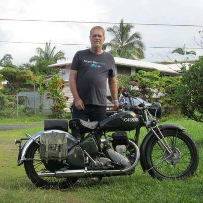 Cas Vanderwoude - Bike-urious T-Shirt