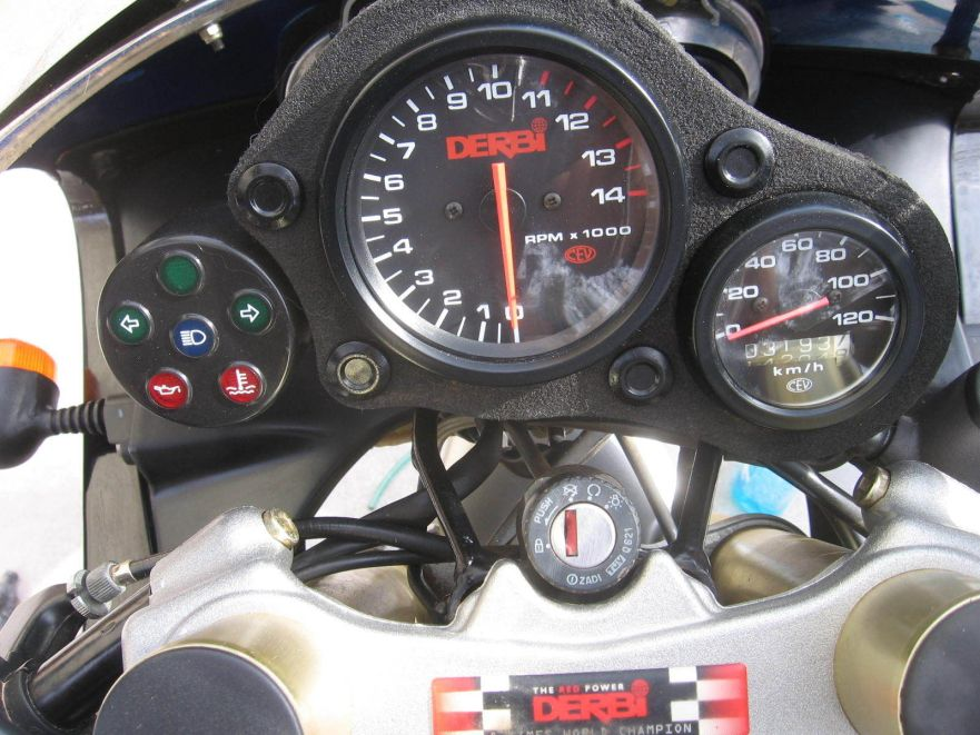 Derbi GPR50 - Cockpit