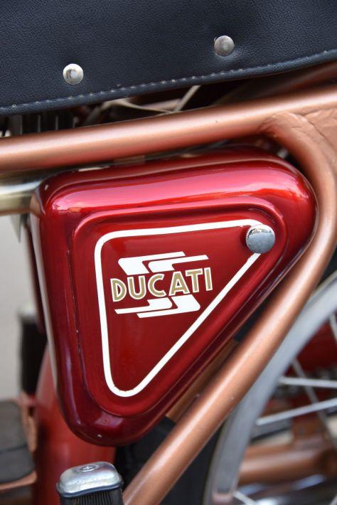 Ducati 200 Elite - Sidecover