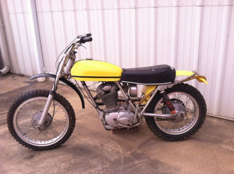 Ducati 450 RT Desmo - Left Side