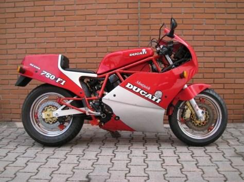 Ducati 750 F1 Montjuich - Right Side
