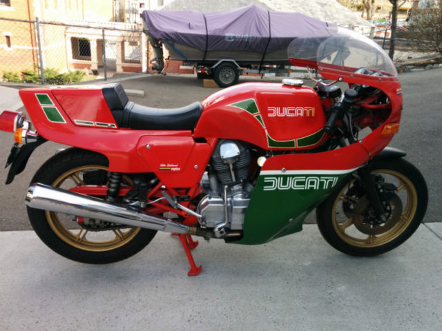 Ducati 900 MHR - Mike Hailwood Replica - Right Side