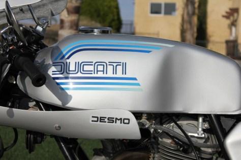 Ducati 900 Super Sport - Tank