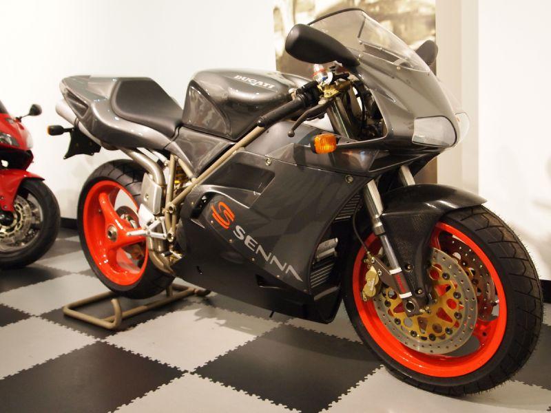 Ducati 916 Senna - Right Front