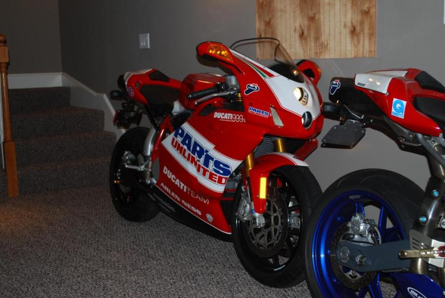 Ducati 999S Team USA Replica - Front
