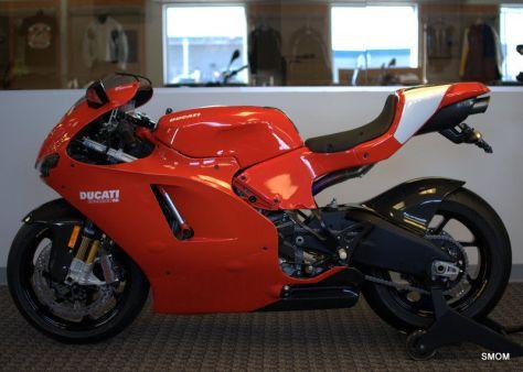 Ducati Desmosedici RR - Left Side