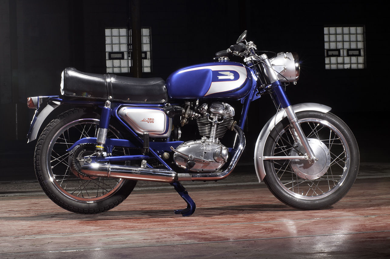 1963 ducati diana 250 bike urious. Black Bedroom Furniture Sets. Home Design Ideas