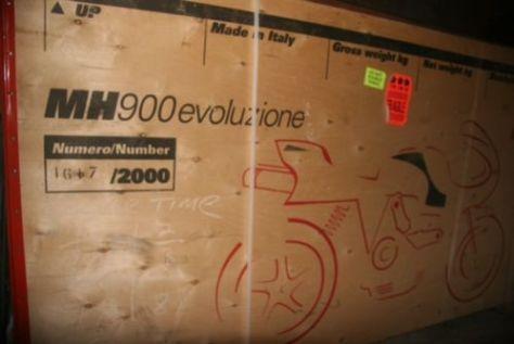 Ducati MH900e Evoluzione - Crate
