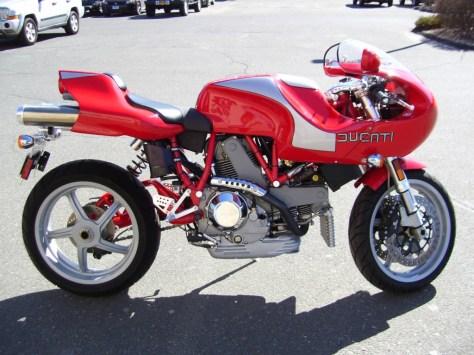 Ducati MH900e Evoluzione - Right Side