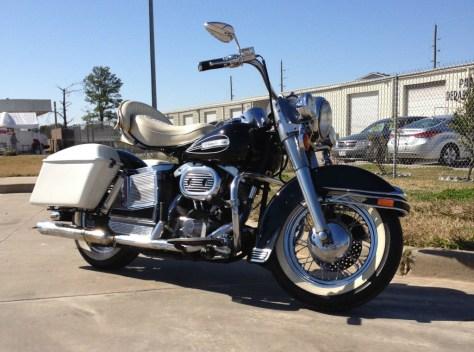 Harley-Davidson Electra Glide - Right Side