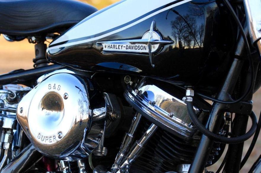Ending Soon – 1962 Harley-Davidson FLH Panhead – Bike-urious